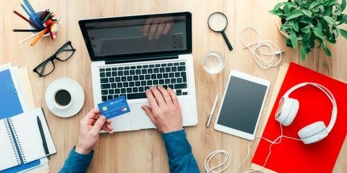網路e化商業加速 刷卡換現金勝出
